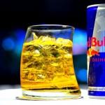 Napoje energetyczne z alkoholem działają jak… kokaina